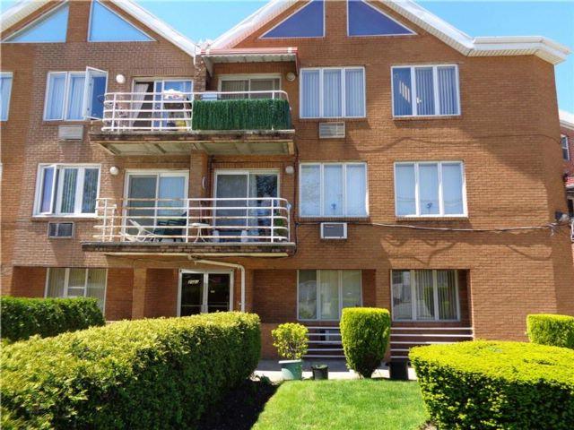 2 BR,  2.00 BTH Condominium style home in Mill Basin