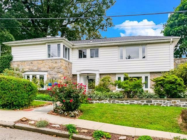 3 BR,  3.00 BTH  Colonial style home in Yonkers