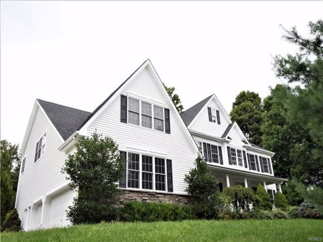 4 BR,  3.50 BTH Colonial style home in Hopewell Junction