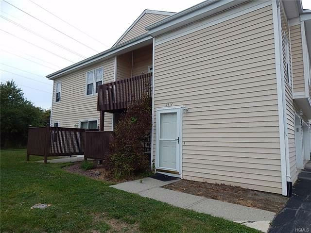 2 BR,  1.00 BTH  Town house style home in Chester