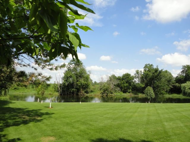 Lot <b>Size:</b> 0.3 Land style home in Plainfield