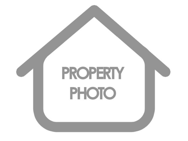Lot <b>Size:</b> 0.22 Land style home in Matteson