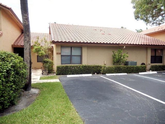 2 BR,  2.00 BTH Villa style home in Deerfield Beach