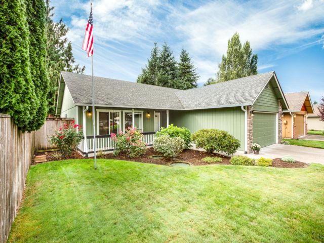 3 BR,  1.50 BTH  Contemporary style home in Olympia