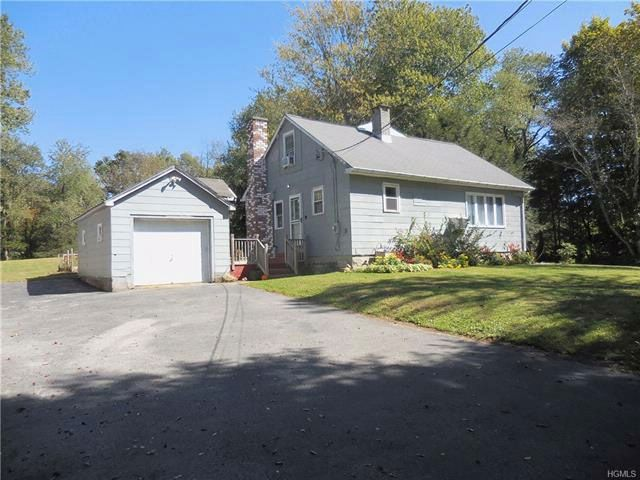 4 BR,  2.00 BTH Capecod style home in Wallkill