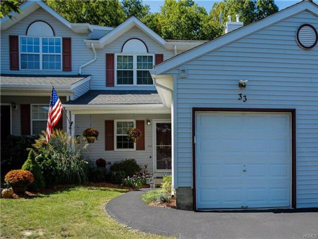 3 BR,  2.50 BTH Town house style home in Monroe