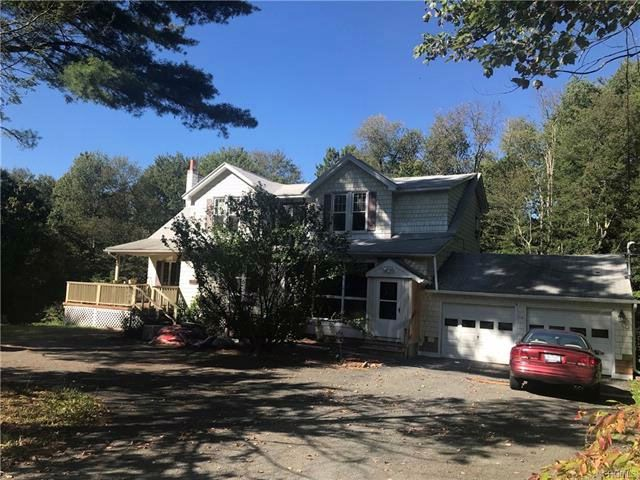 6 BR,  3.00 BTH  Colonial style home in Wawarsing