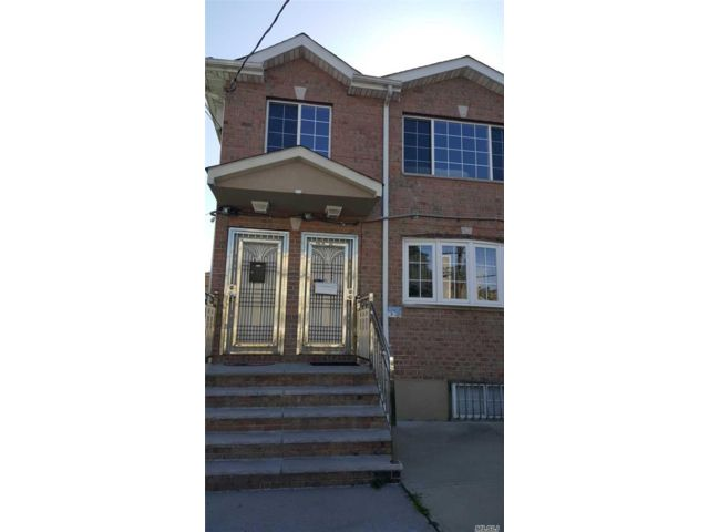 6 BR,  2.00 BTH  2 story style home in Baisley Park