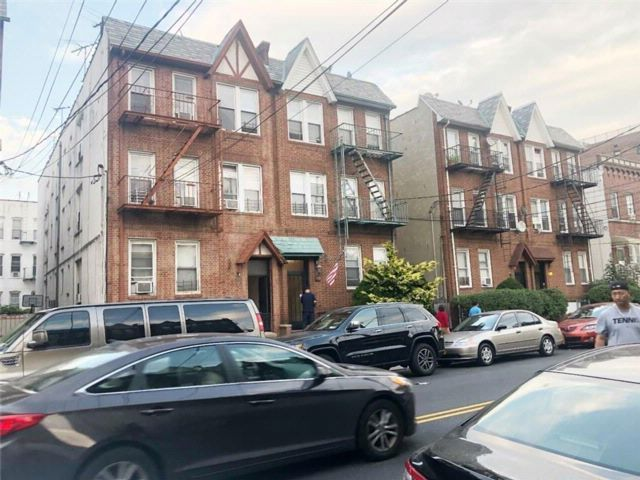 11 BR,  6.00 BTH  Multi-family style home in Bay Ridge