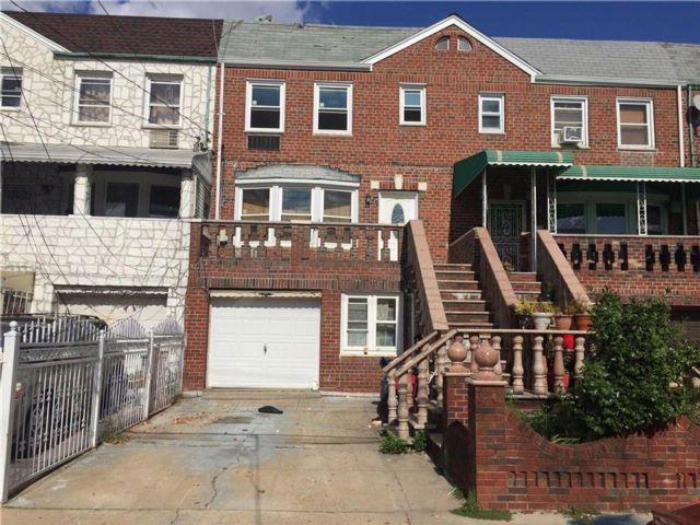 4 BR,  0.00 BTH Multi-family style home in Canarsie