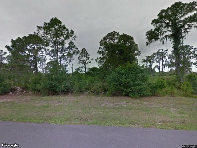 Lot <b>Size:</b> 0.32 Land style home in Sebring