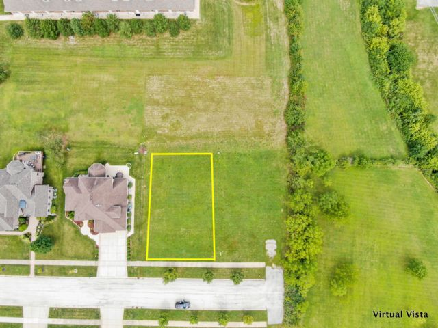 Lot <b>Size:</b> 0.36 Land style home in Homer Glen