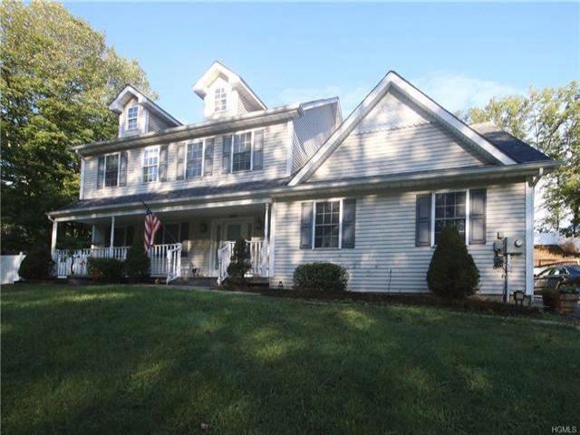 4 BR,  2.50 BTH Colonial style home in Bloomingburg