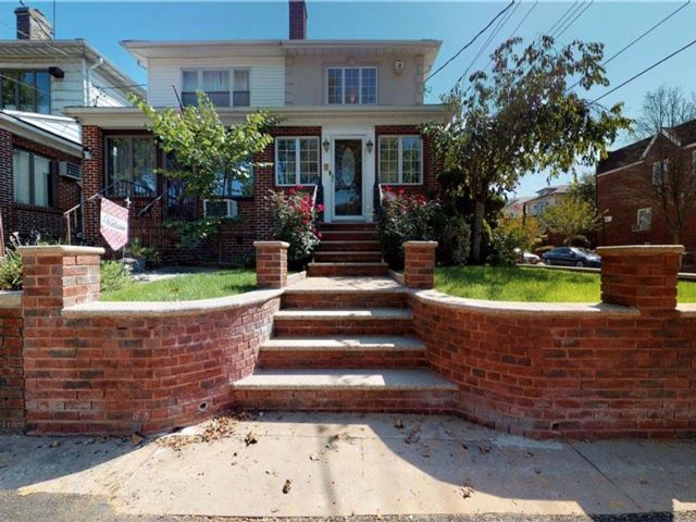 4 BR,  3.00 BTH  Single family style home in Dyker Heights