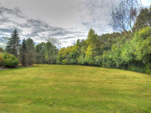 Lot <b>Size:</b> 0.92  Land style home in North Barrington