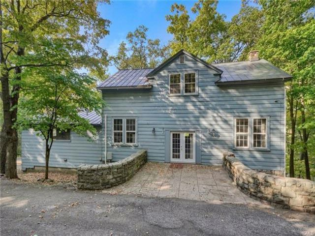 6 BR,  2.50 BTH Carriage house style home in Cornwall On Hudson