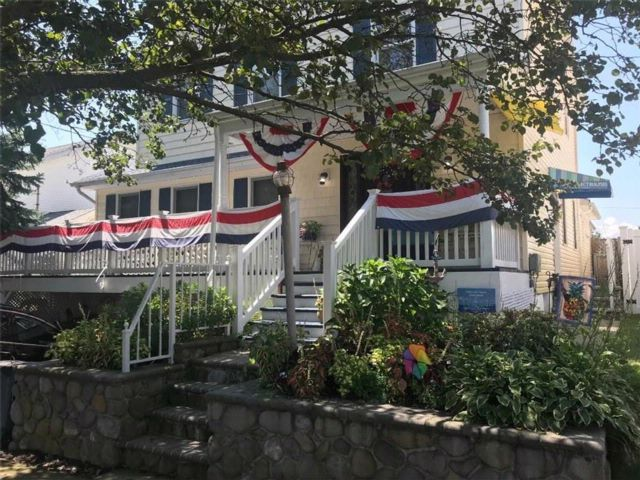4 BR,  4.00 BTH  Single family style home in Tottenville