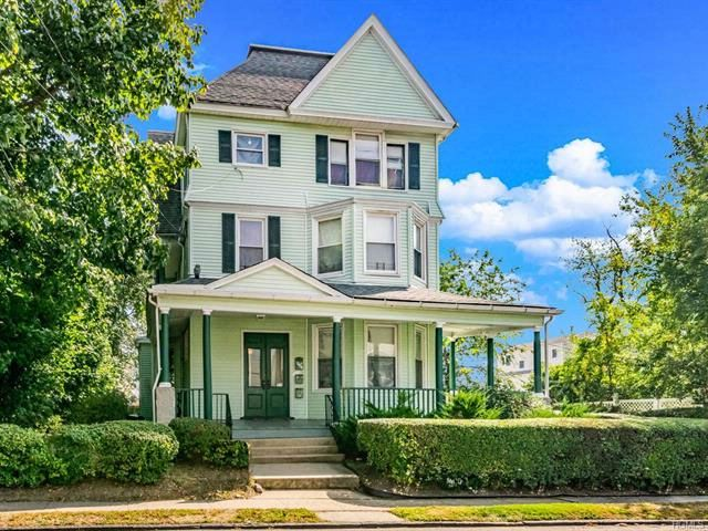 8 BR,  3.00 BTH  Victorian style home in Yonkers