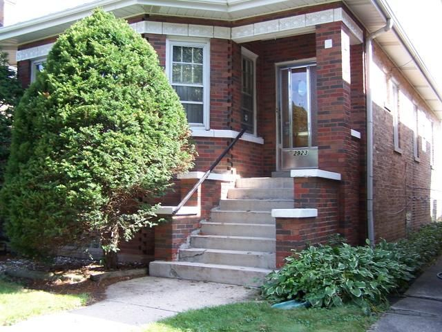 4 BR,  2.00 BTH  Bungalow style home in Elmwood Park