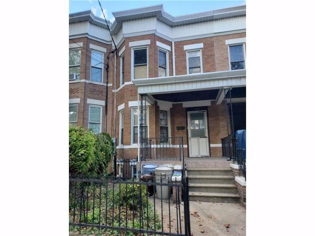 4 BR,  0.00 BTH  Multi-family style home in Dyker Heights