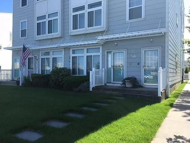 3 BR,  2.50 BTH   style home in Arverne By The Sea