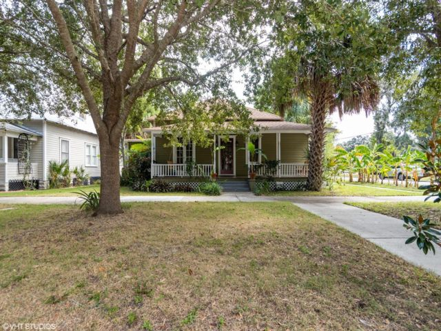 2 BR,  2.00 BTH Bungalow style home in Sanford