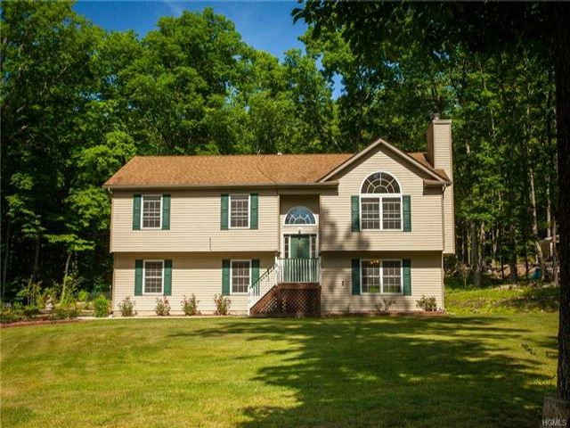 4 BR,  2.00 BTH  Raised ranch style home in Westbrookville