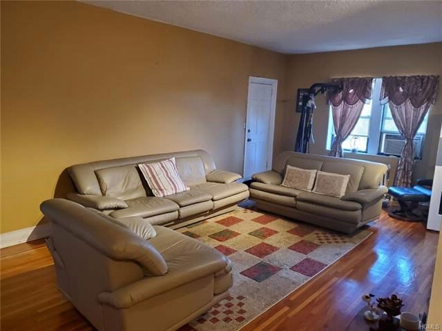 1 BR,  1.00 BTH Other/see remar style home in Mount Vernon
