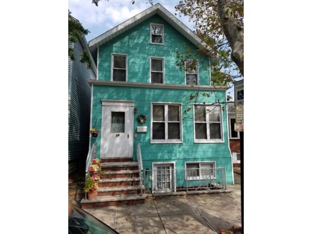 3 BR,  3.00 BTH  Colonial style home in Bayonne
