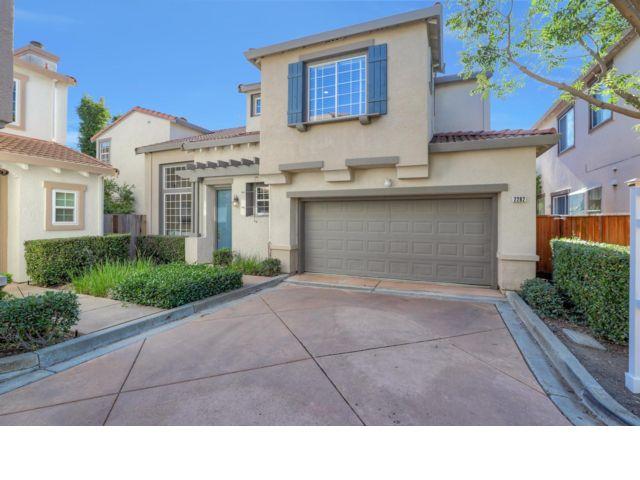 4 BR,  3.00 BTH 2 story style home in Santa Clara