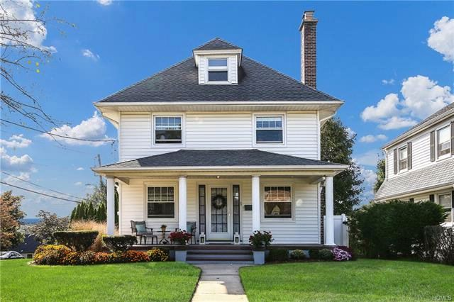 3 BR,  2.50 BTH Colonial style home in Valhalla