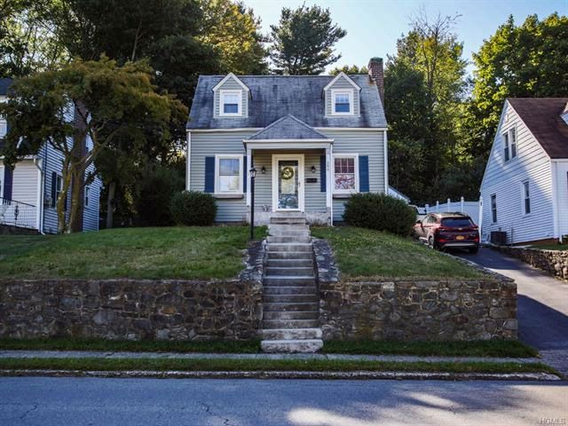 2 BR,  1.00 BTH  Capecod style home in Newburgh