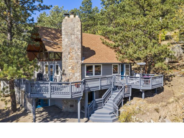 3 BR,  2.00 BTH  2 story style home in Evergreen