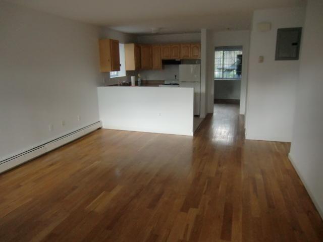 [Glendale Real Estate, listing number 6930634]