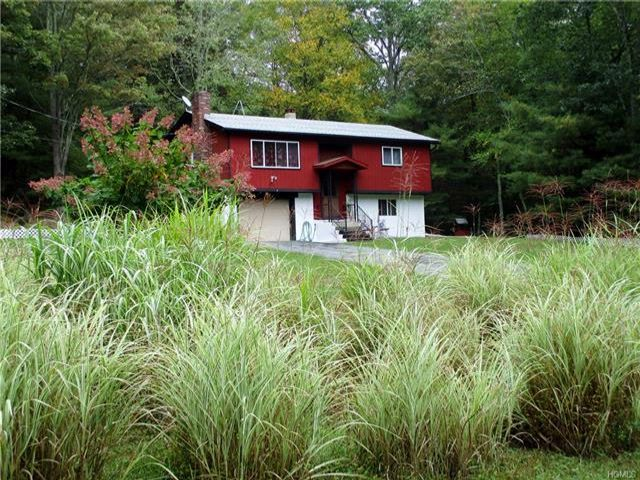 3 BR,  2.00 BTH Raised ranch style home in Lumberland