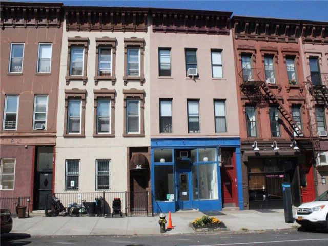 6 BR,  3.50 BTH Multi-family style home in Park Slope