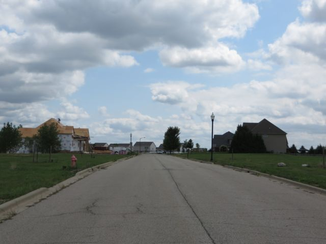 Lot <b>Size:</b> 0.62  Land style home in Elgin