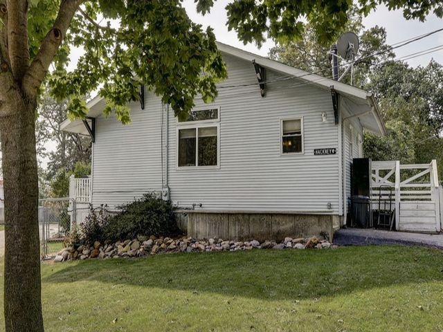 [Glendale Real Estate, listing number 6930978]