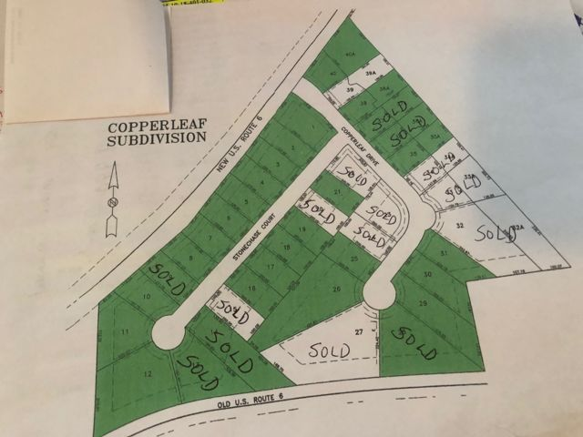 Lot <b>Size:</b> 0.53 Land style home in Channahon
