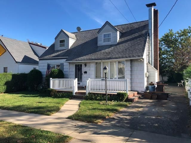 [Howard Beach Real Estate, listing number 6931449]