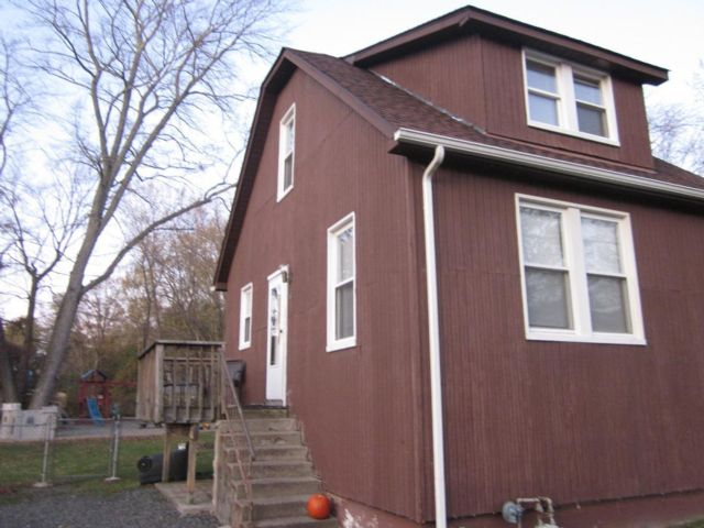 2 BR,  1.00 BTH Duplex style home in Congers