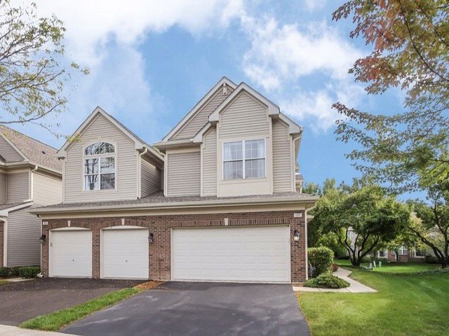 4 BR,  2.50 BTH House style home in Schaumburg