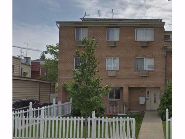 2 BR,  0.00 BTH Condominium style home in Canarsie