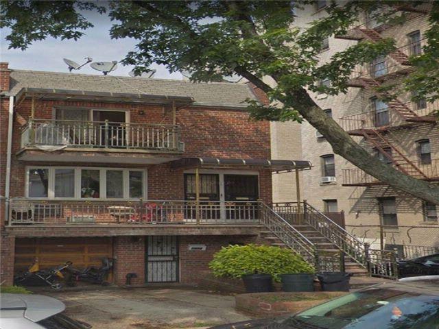 8 BR,  3.00 BTH Multi-family style home in Bensonhurst
