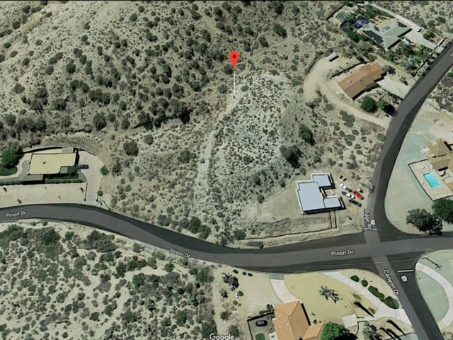 Lot <b>Size:</b> 0.88 Land style home in Yucca Valley