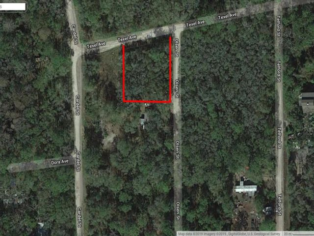 Lot <b>Size:</b> 0.28 Land style home in New Port Richey