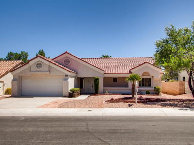 2 BR,  2.00 BTH Bungalow style home in Las Vegas