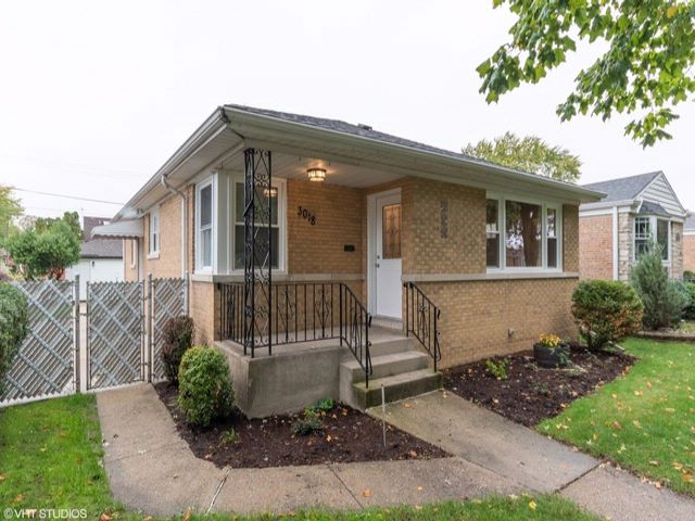 3 BR,  2.00 BTH House style home in Franklin Park