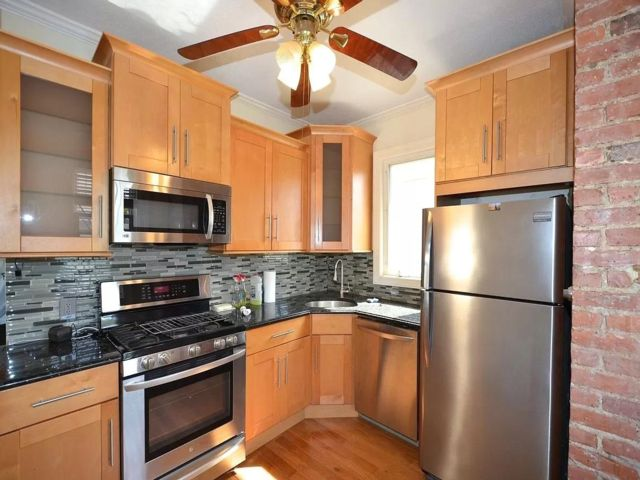 3 BR,  1.00 BTH Rental style home in Homecrest