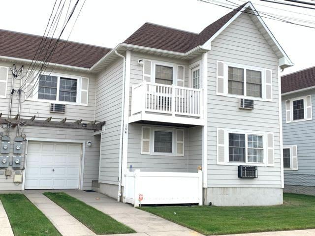 3 BR,  2.00 BTH  style home in Arverne